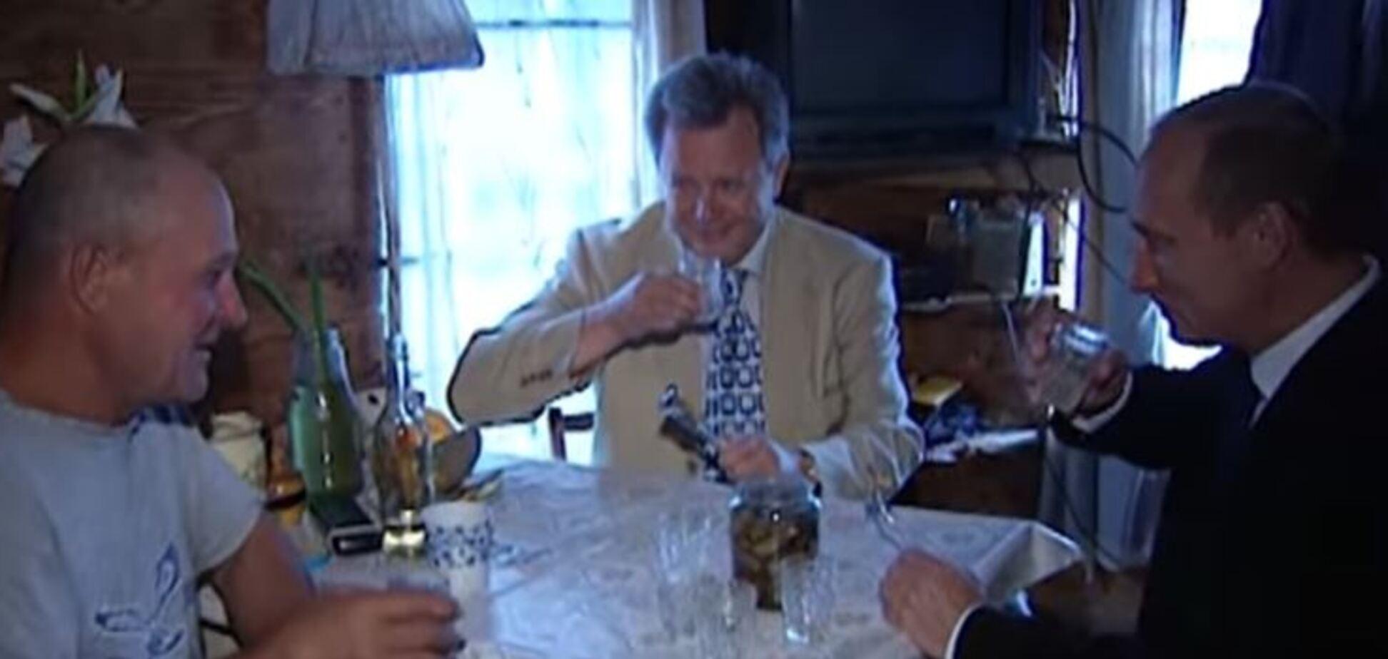 Пьет водку и поет: в сеть попало видео из личного архива Путина