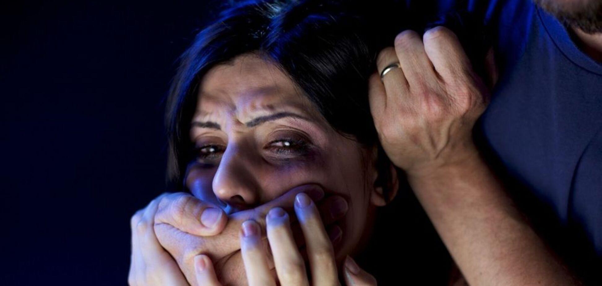 У Бердичеві насильник з ножем напав на жінку