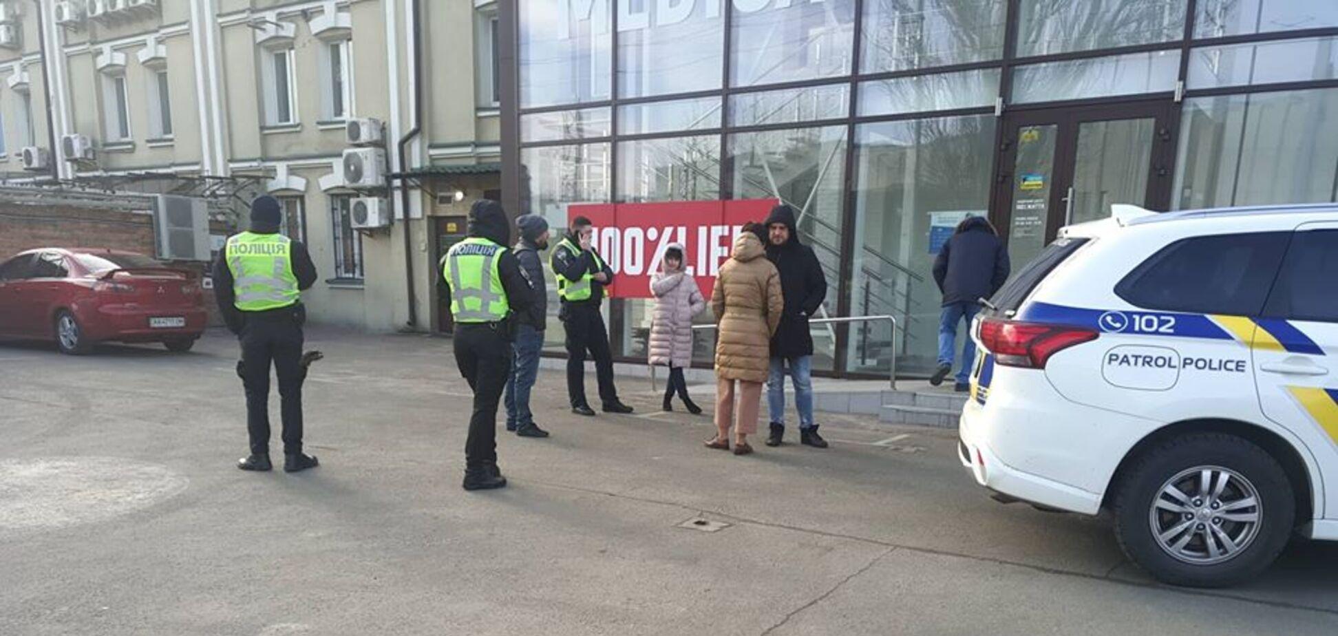 В Киеве пытались подорвать офис организации 'слуги народа'