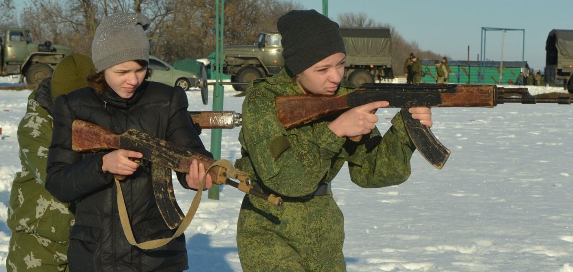 Террористы ДНР вооружают детей