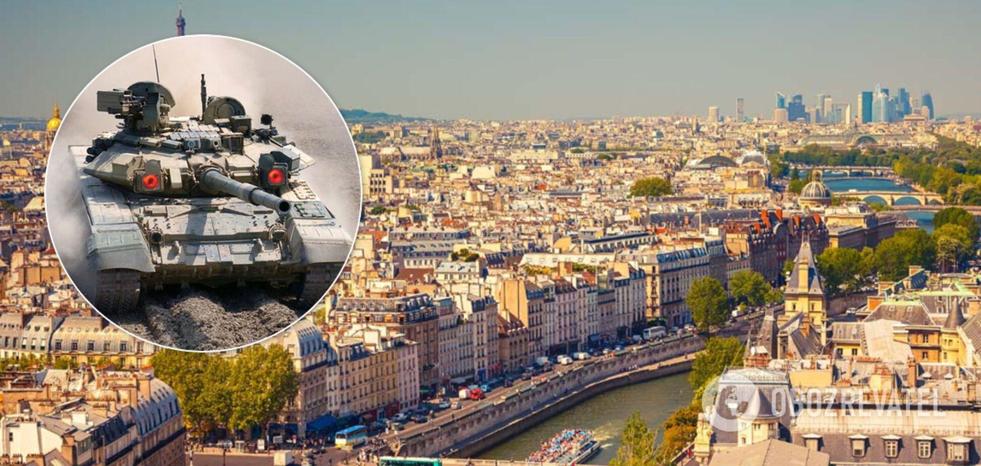 'У Парижі можуть з'явитися російські танки': Макрона попередили про загрозу