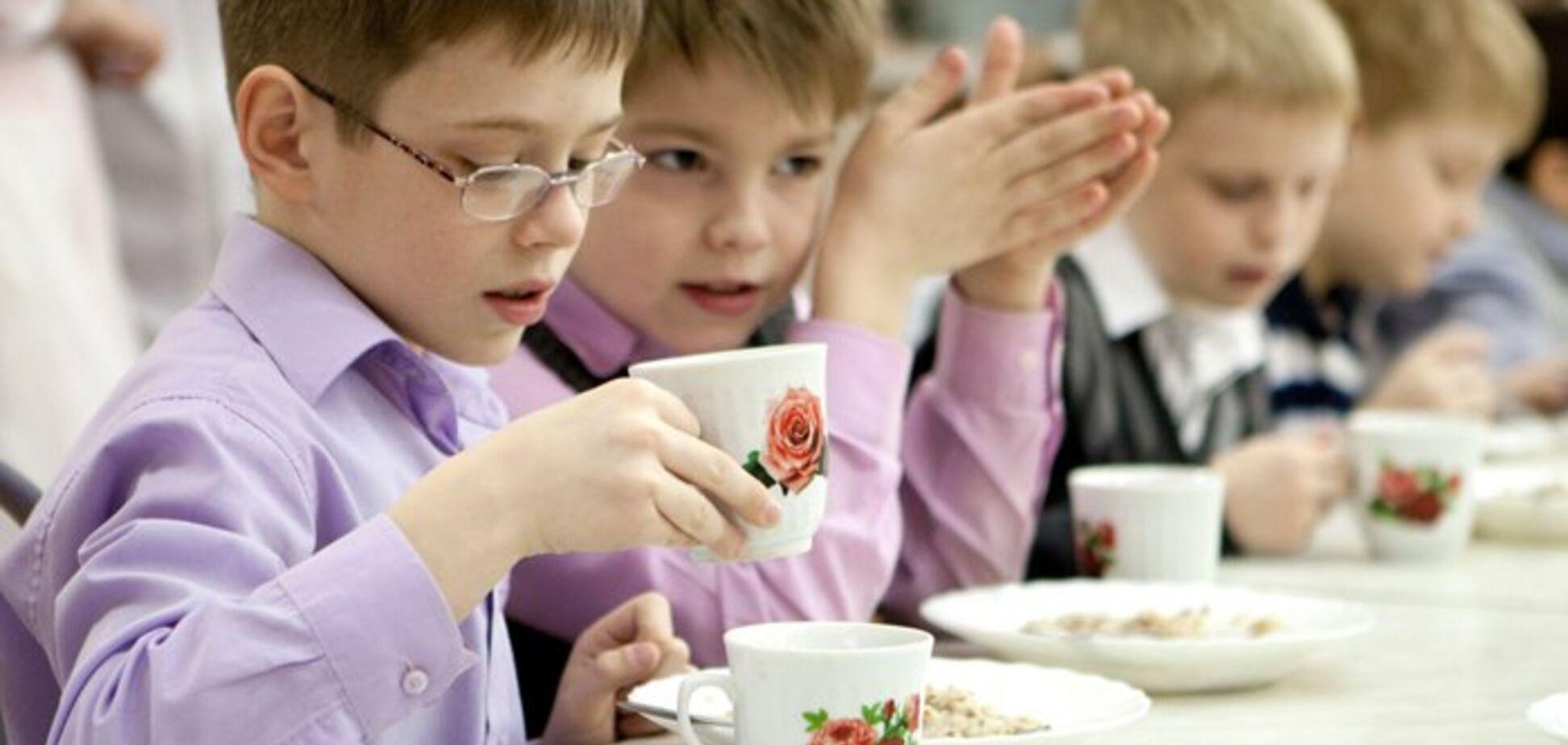 В Україні дітей безкоштовно годуватимуть в закладах освіти: кого це стосується