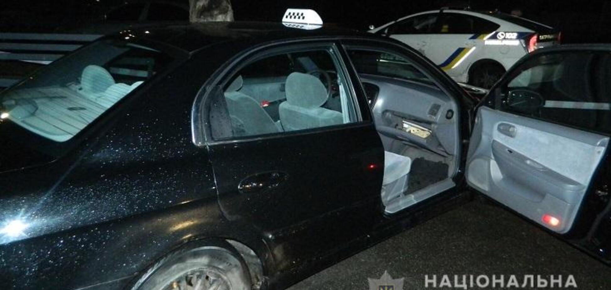 У Києві побили таксиста і забрали авто