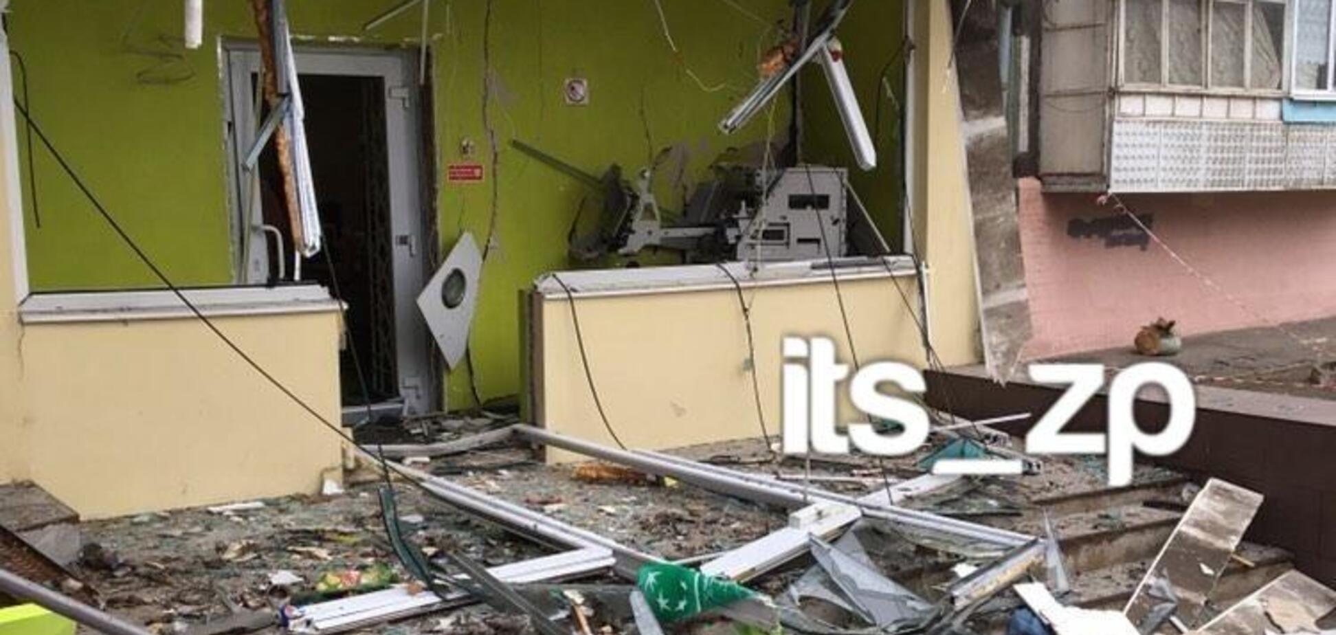 Воздушные шарики взорвали отделение банка: в Запорожье засняли дерзкое ограбление