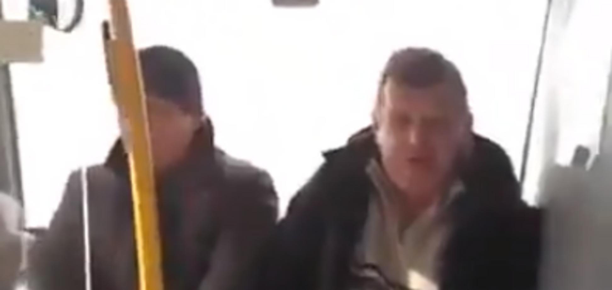 Житель Донбасса устроил разборки с воином ВСУ