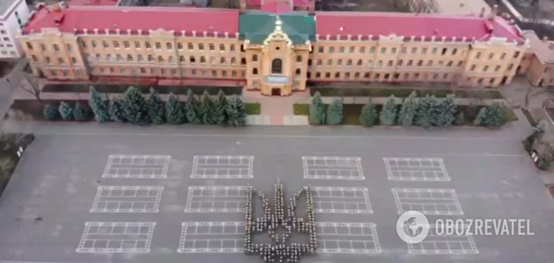 Одеські військові влаштували яскравий флешмоб на честь дня герба України