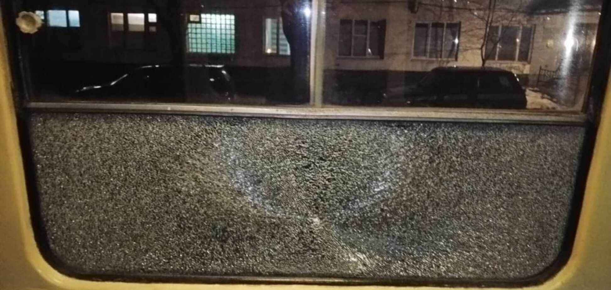 В Днепре обстреляли трамвай с пассажирами: подробности ЧП