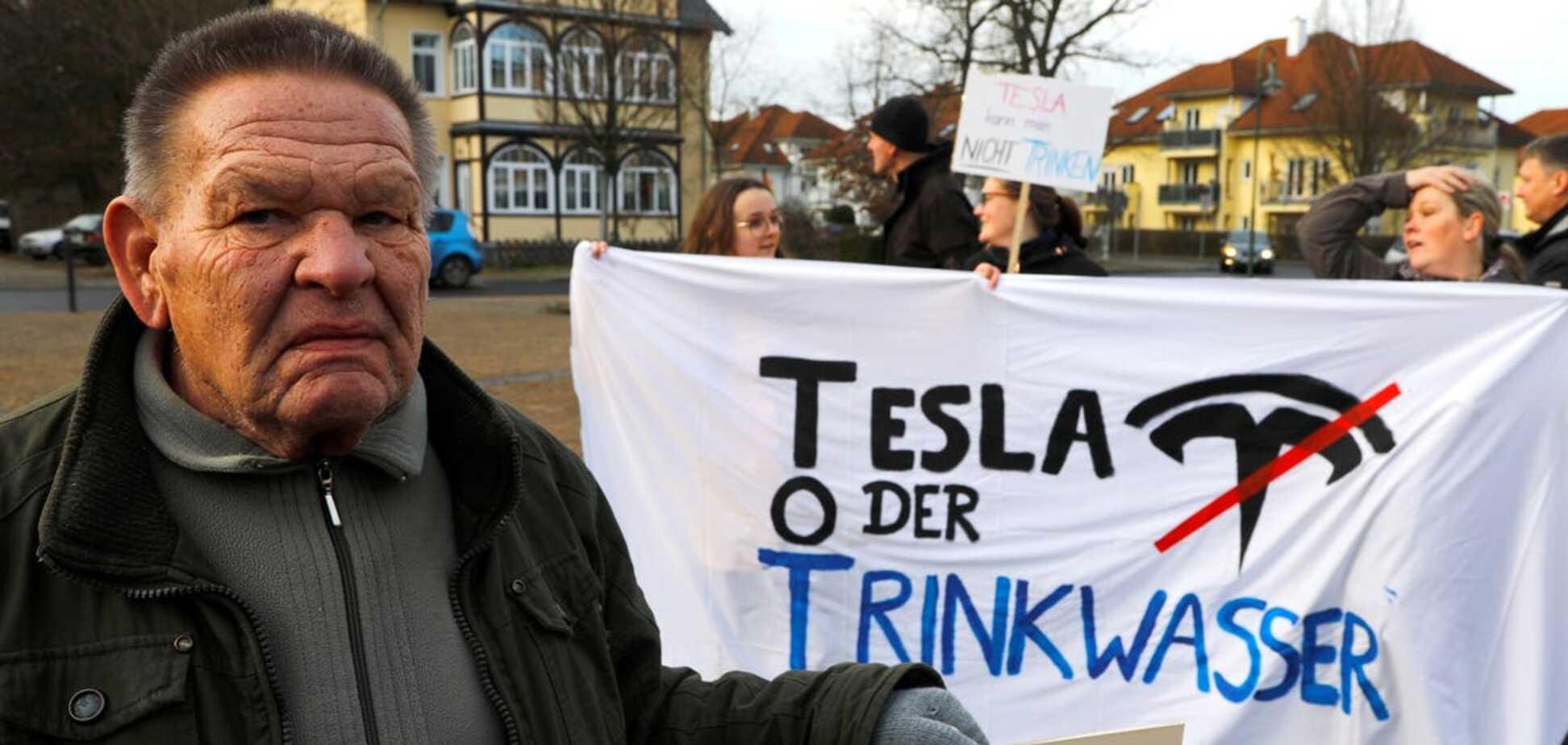 Уряд Німеччини втрутився у скандал через створення фабрики Tesla