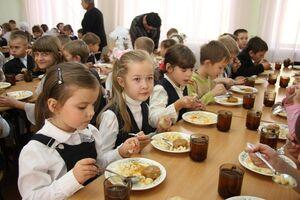Украинская фирма заработала миллионы на яде для школьников