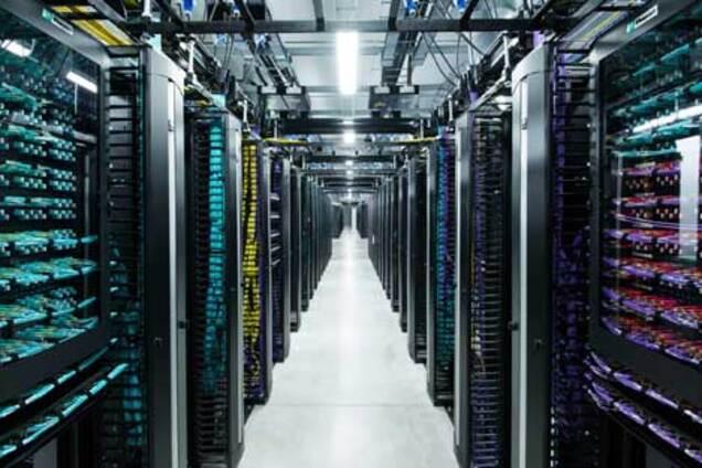 Facebook полностью перейдет на возобновляемые источники энергии