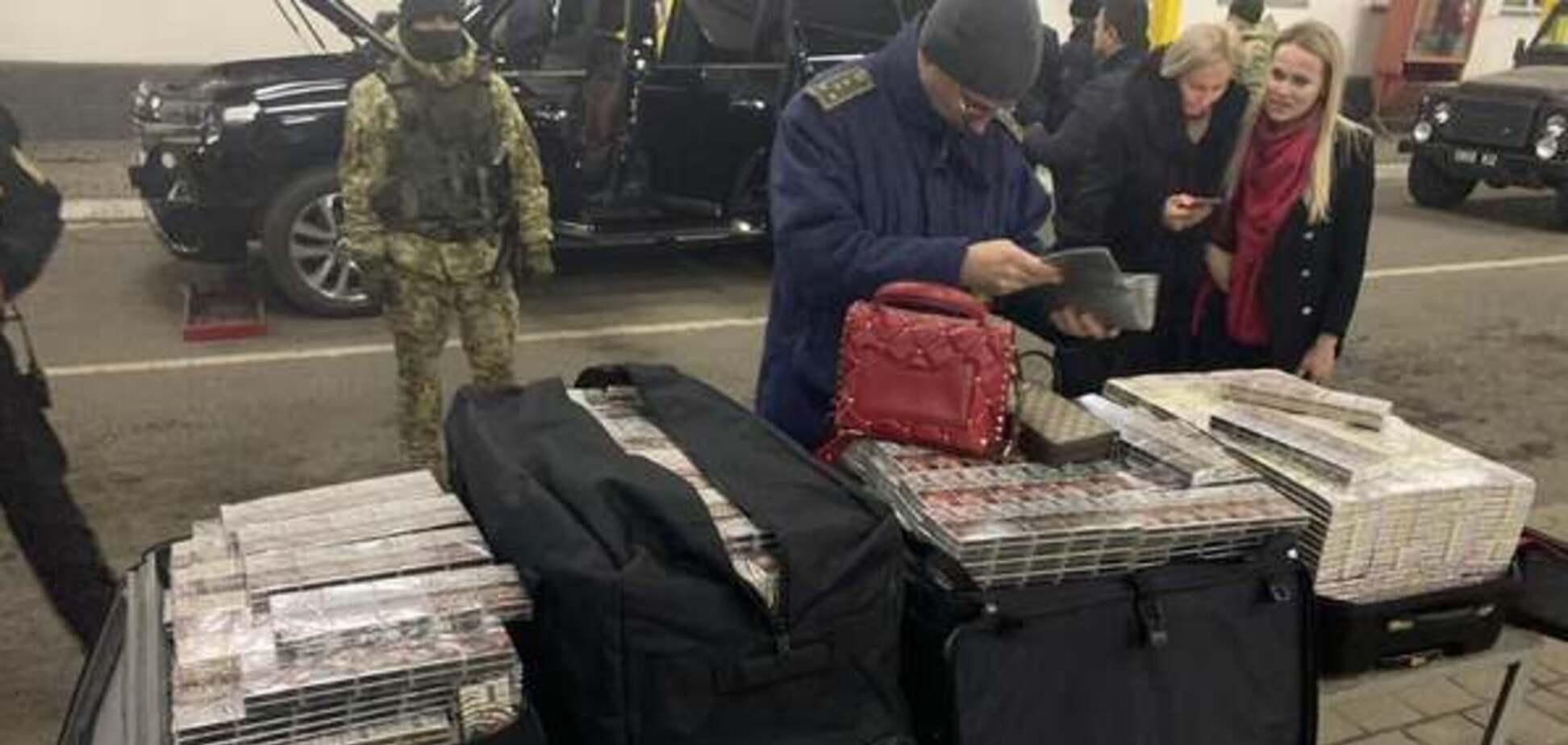 За контрабанду на Закарпатской таможне задержали дипломата