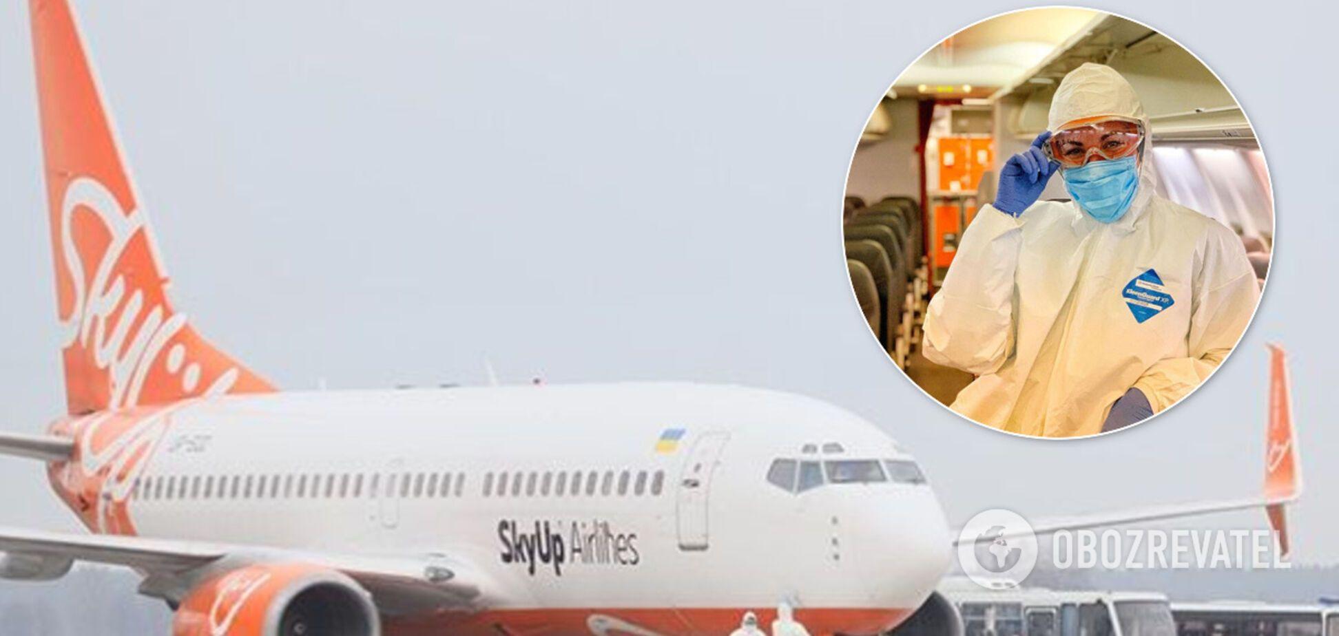 'Кто-то же должен!' Стюардесса эвакуировавшего украинцев из Китая самолета привела сеть в восторг
