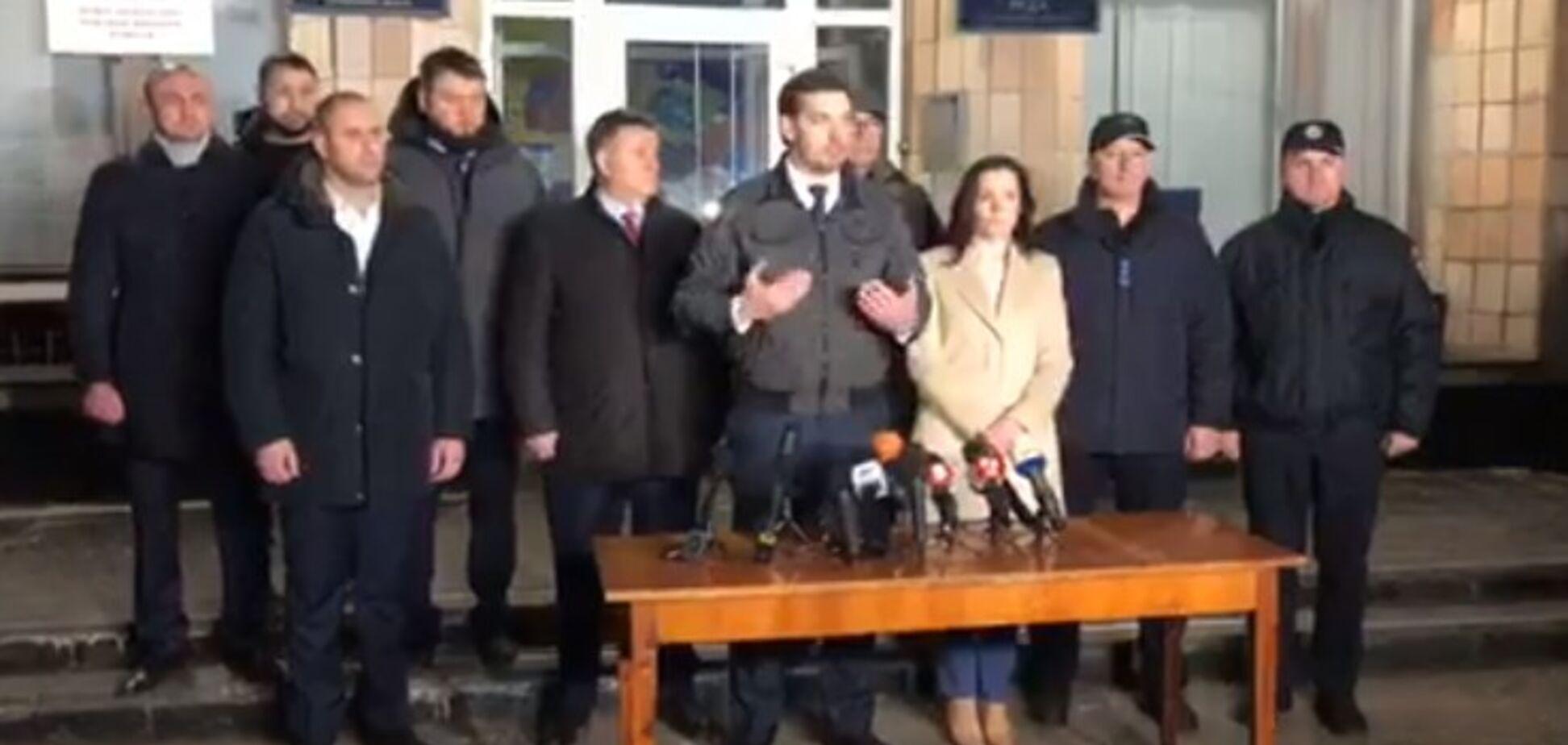 'У нас був план В, план С': Гончарук залишився задоволеним проведеною евакуацією. Відео