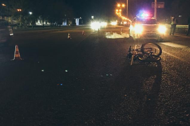 На проспекте Слобожанском машина сбила велосипедиста