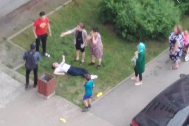 В Кривом Роге под окнами многоэтажки нашли тело женщины