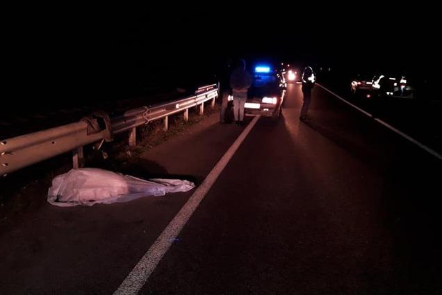 Авария произошла на дамбе на выезде из Черкасс