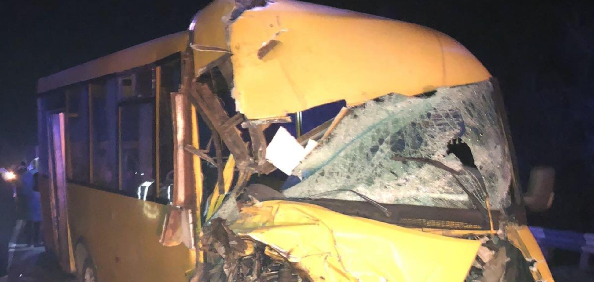 Вантажівка влетіла в маршрутку на трасі Одеса-Мелітополь