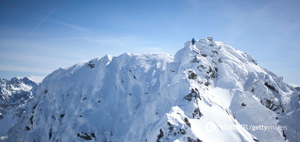 В Карпатах выпало сразу 1,5 метра снега. Опубликованы фото