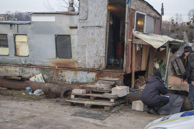 В Киеве мужчину забили до смерти на берегу озера