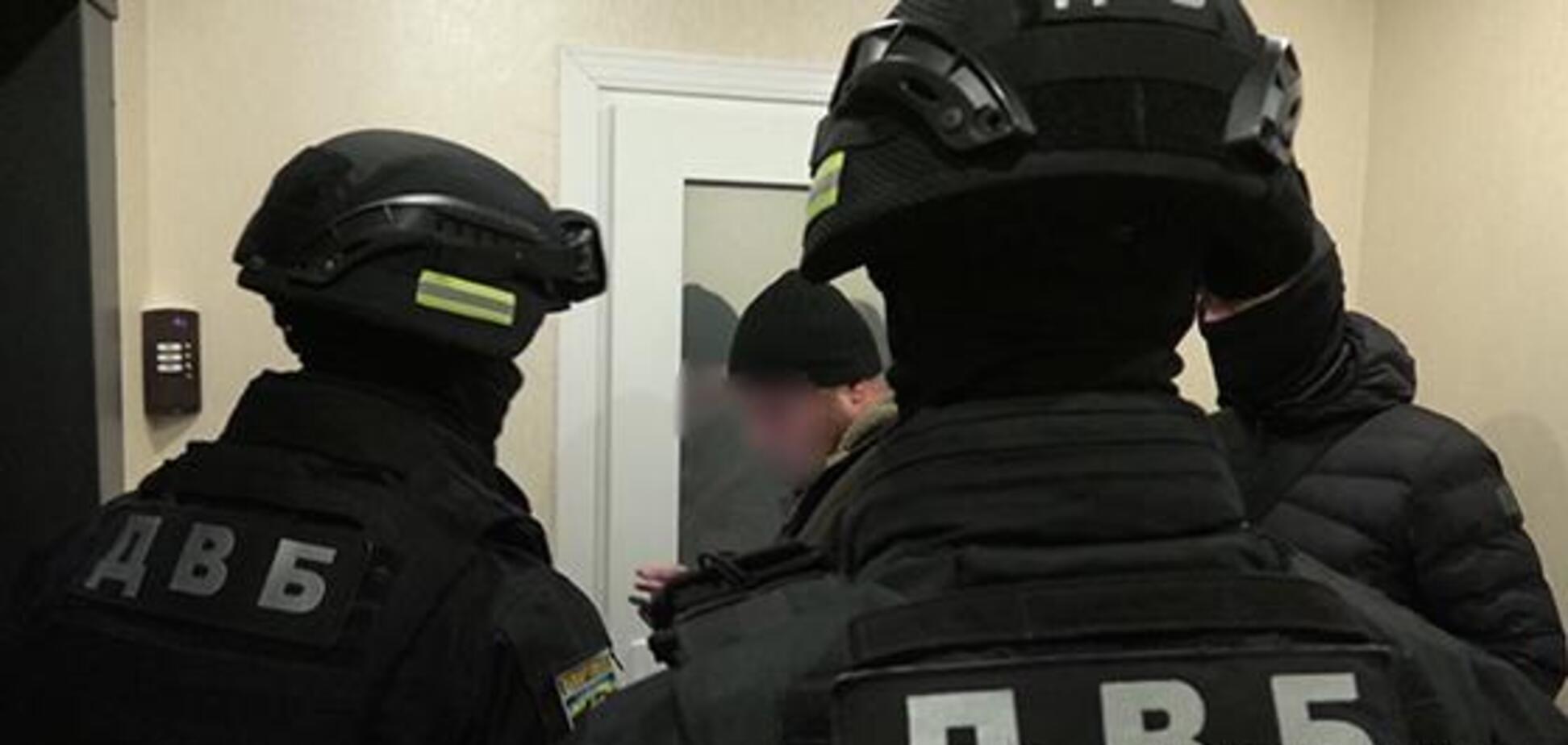 Поліція зловила угруповання, яка переганяла авто з ЄС в Україну