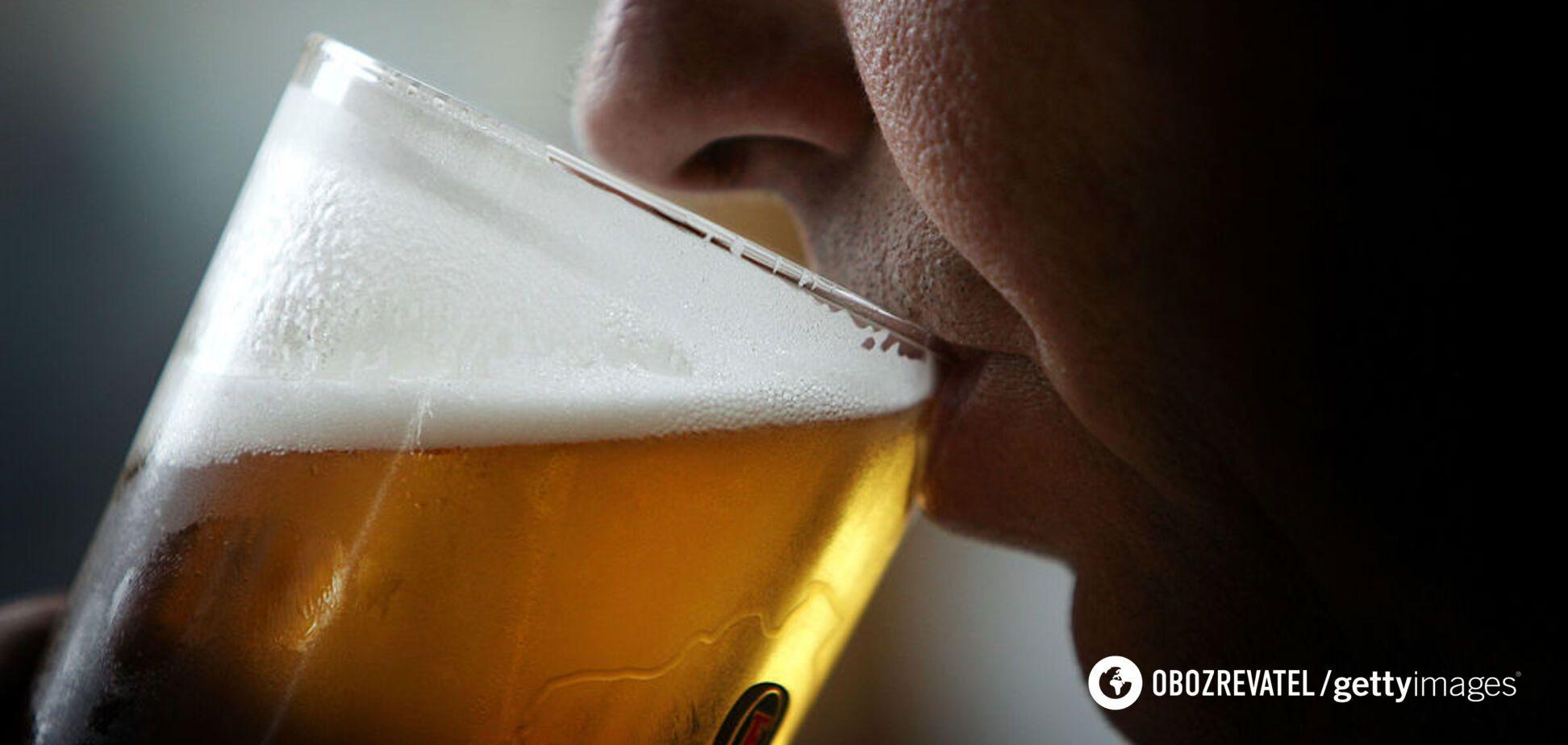 Жінка почала мочитися пивом через хворобу і збентежила лікарів