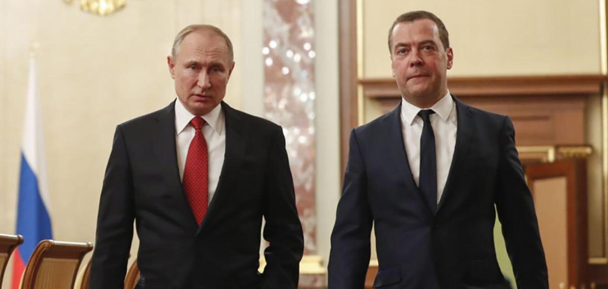 Как Путин хоронит Медведева