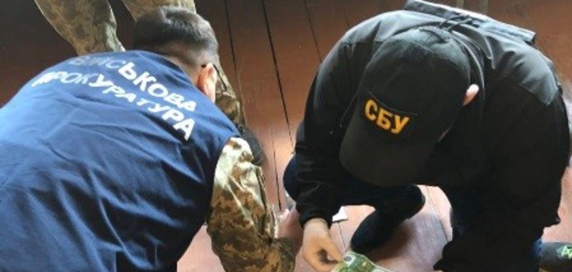 В Черновицкой области пограничник задержан за вымогательство и взятку