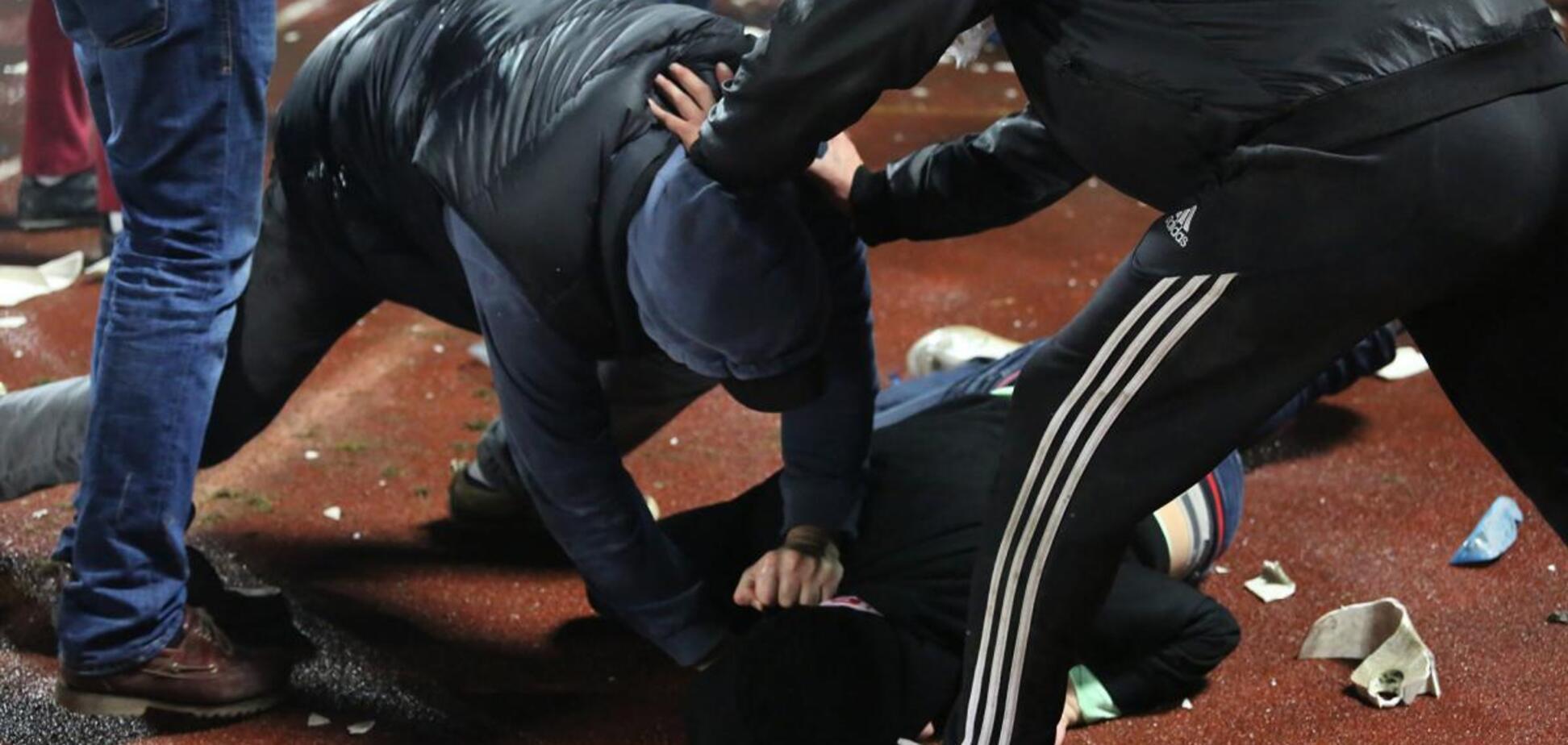 У Дніпрі влаштували бійку зі стріляниною посеред вулиці. Фото