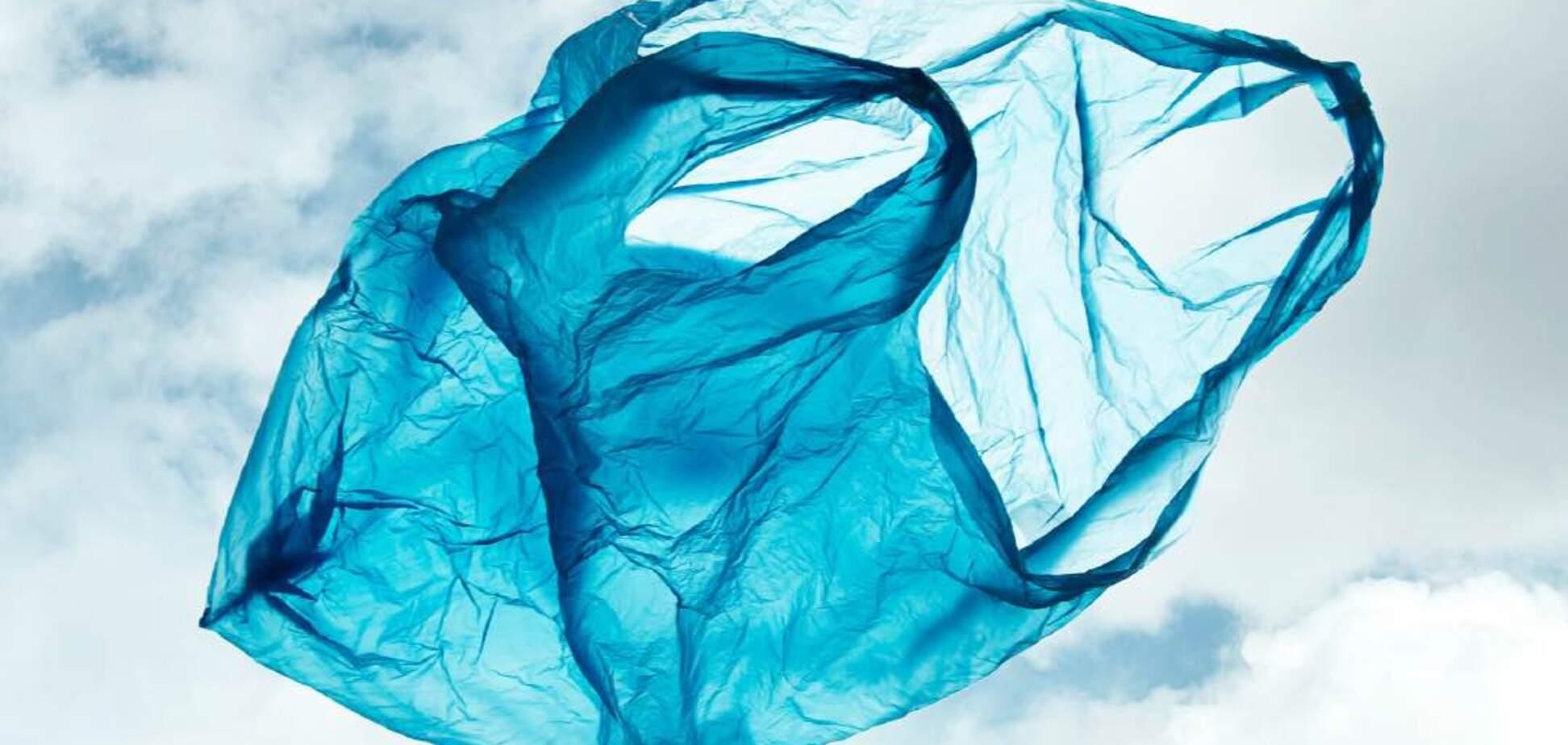 В Україні почали випускати біорозкладні пакети для сміття і покупок