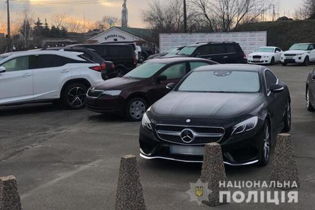 Полиция поймала группировку, которая заработала 4 млн евро на авто из ЕС