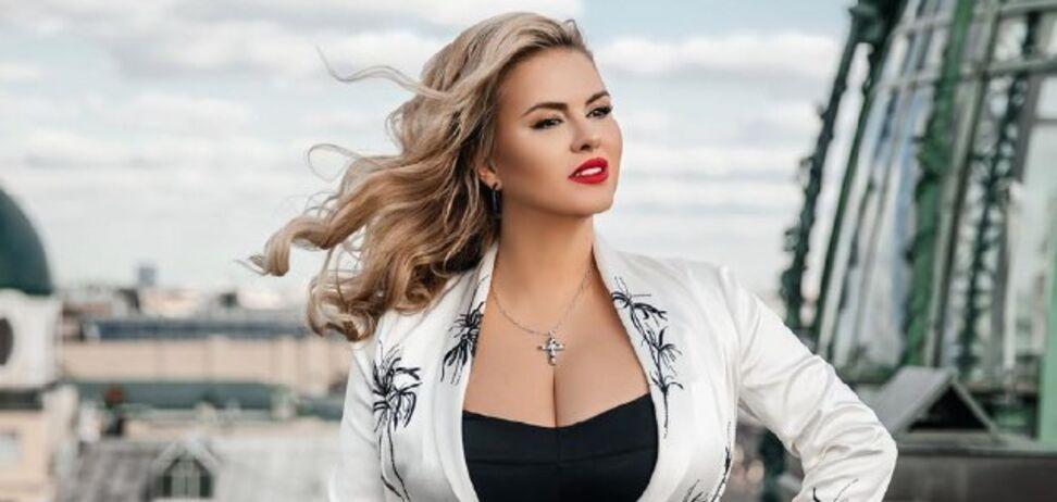 Анна Семенович відзначає день народження: гарячі фото екс-солістки 'Блестящих'