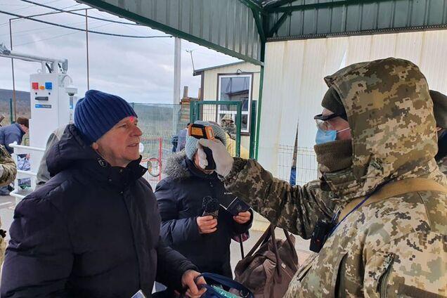 Прикордонники будуть вимірювати температуру на КПВВ на Донбасі