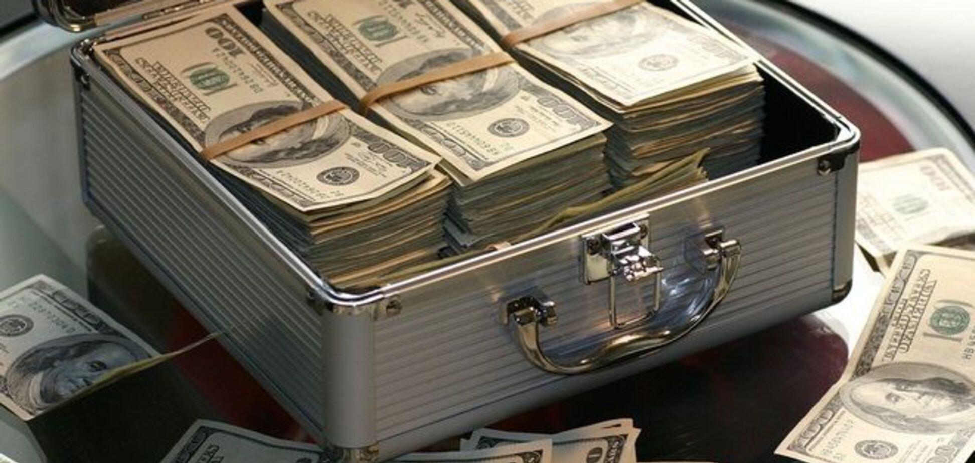 Депутат и полицейский на Черниговщине 'развели' мужчину на полмиллиона долларов