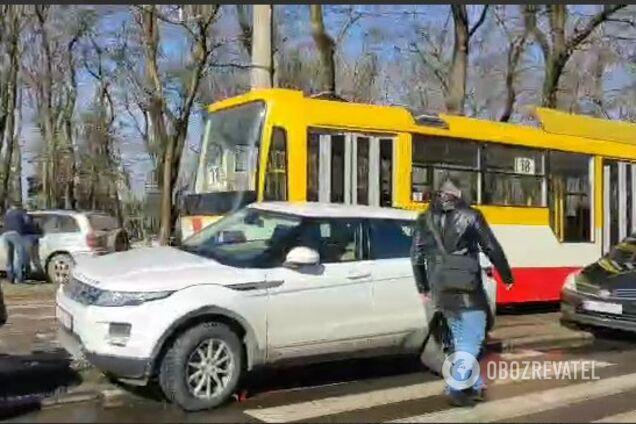 В Одесі автохами заблокували рух трамваїв