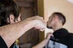 В Кривом Роге мужчине выбили глаз из-за конфликта в троллейбусе