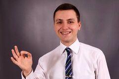 Нардеп от 'Слуги народа' выбил двери и прыгал по столам в мэрии Мелитополя. Видео