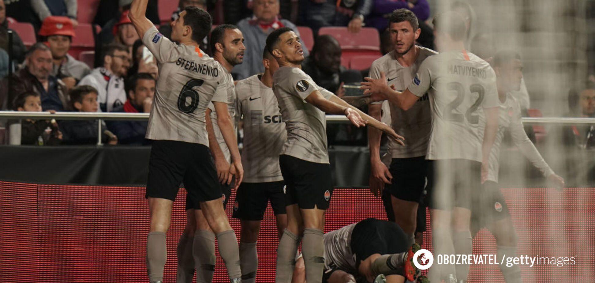 'Шахтер' празднует гол в ворота 'Бенфики' в 1/16 финала Лиги Европы