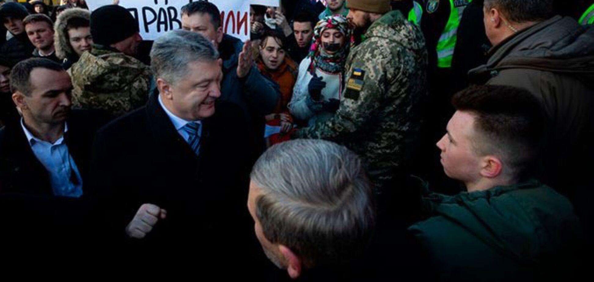 Адвокати Порошенка заявили про продовження політичного тиску ДБР