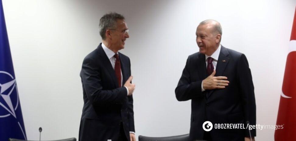 Эрдоган не пожал руку Столтенбергу при встрече: момент попал на видео