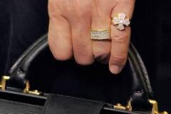 Коронавирус прошелся по миллиардерам из списка Forbes: сколько потеряли богачи