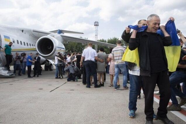 Список на обмен, разведение и новые КПП: Украина и Россия договорились в Минске