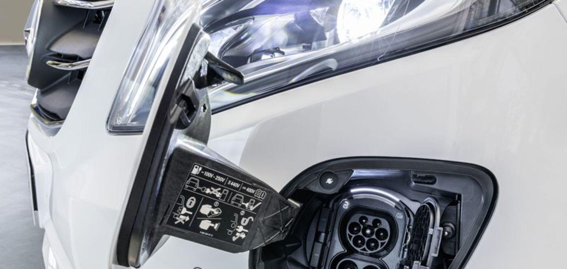 Mercedes-Benz рассекретила свой новый электромобиль eVito