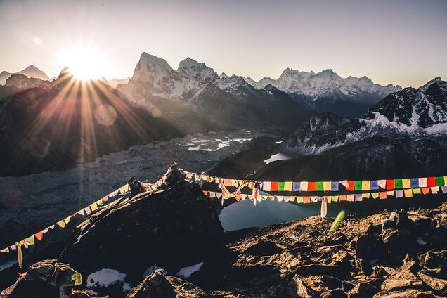 Непал скасував експедиції на Еверест через коронавірус
