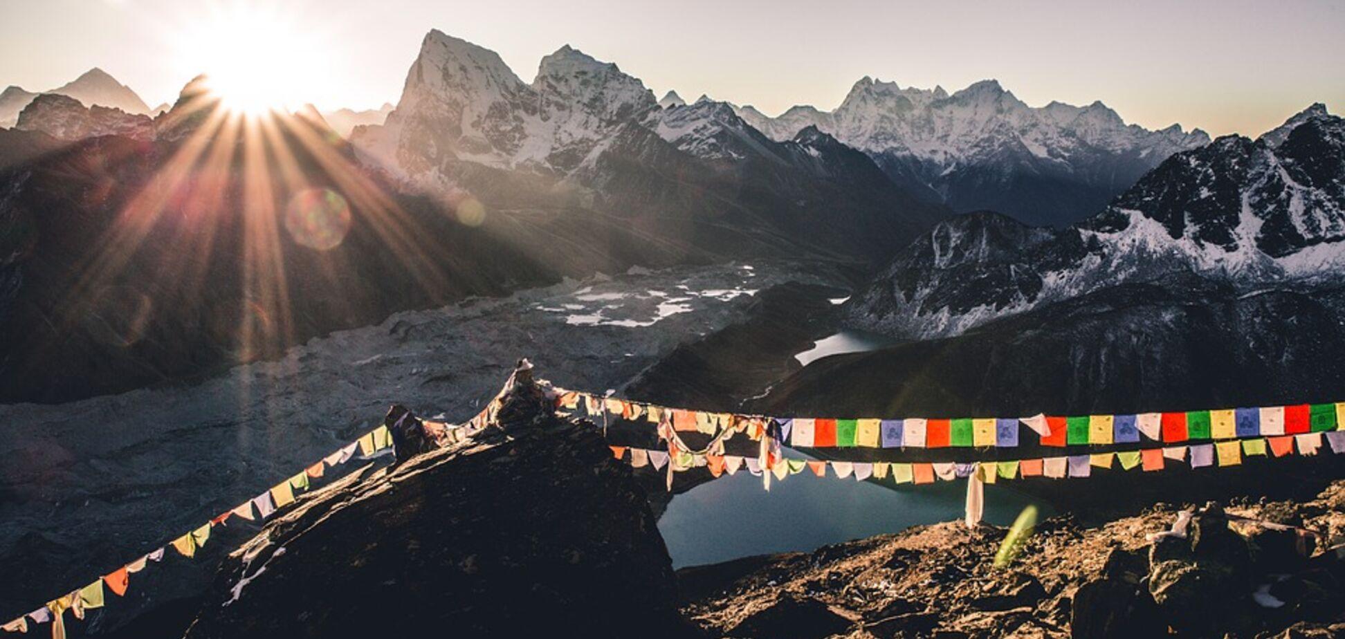 Эверест под запретом: Непал перестал выдавать туристические визы