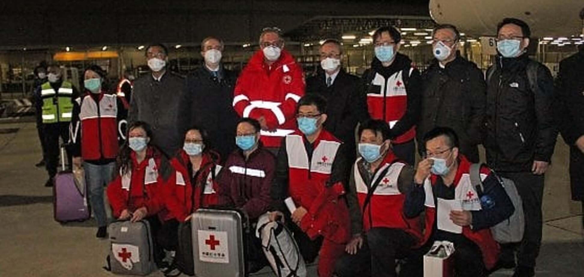 Врачи из Китая приехали в Италию для помощи в борьбе с коронавирусом