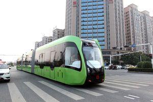 Крупнейшие города мира проведут испытания безрельсового трамвая на солнечных панелях