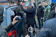 На Закарпатье задержали пограничника за контрабанду сигарет