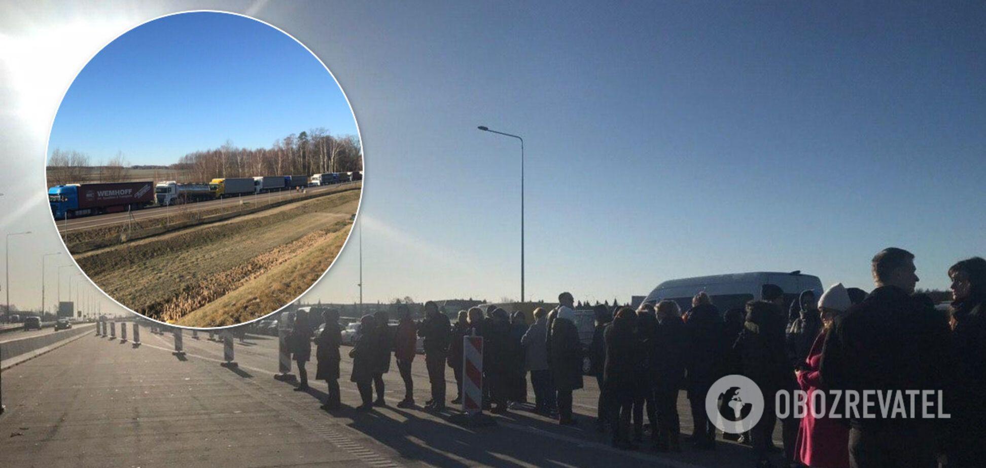 Польща закрила кордони: хто зможе в'їхати в країну після 15 березня