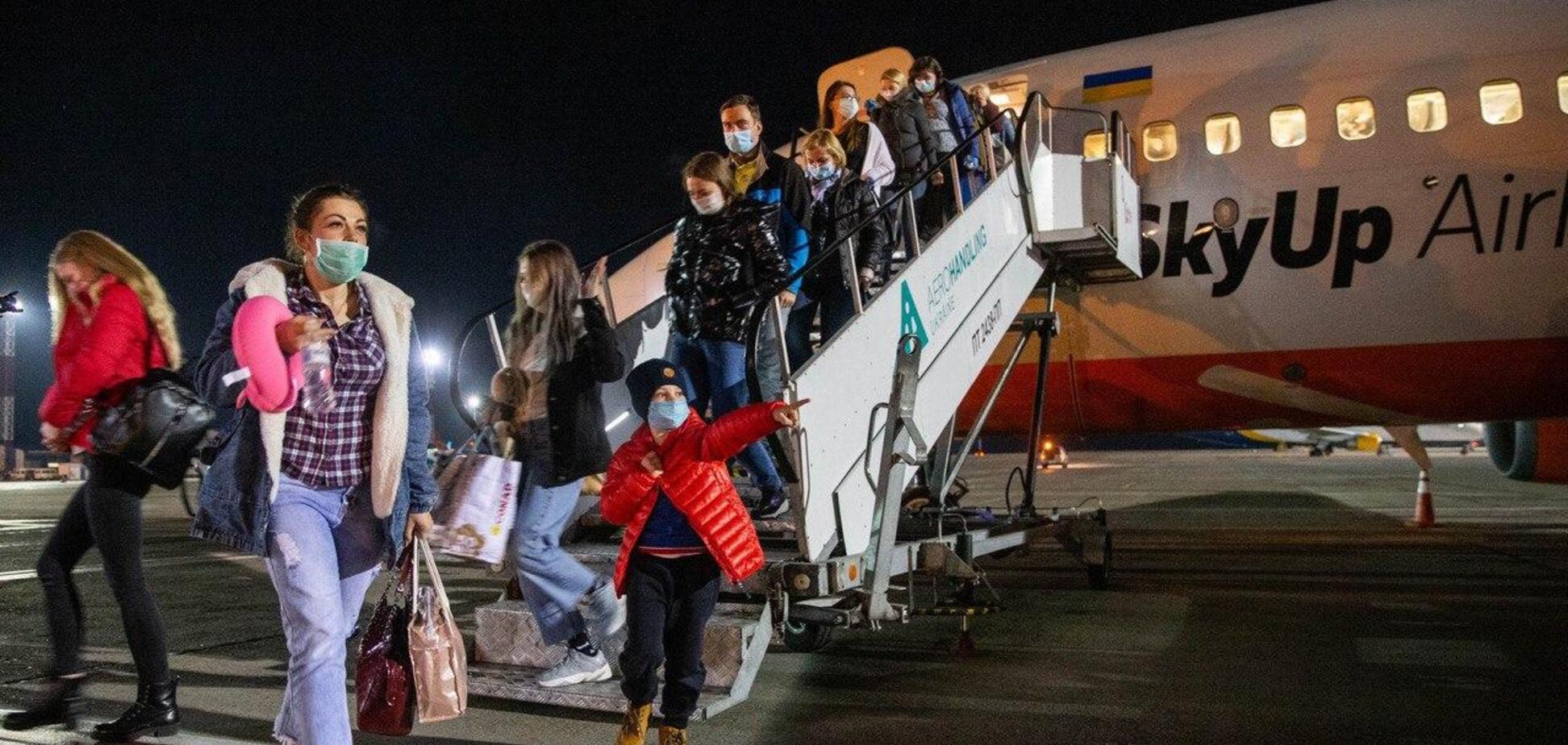 В 'Борисполь' прибыл спецборт с эвакуированными из Италии украинцами
