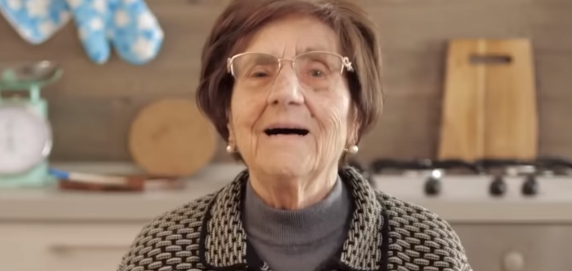 Итальянская бабушка порвала сеть видео с советами против коронавируса